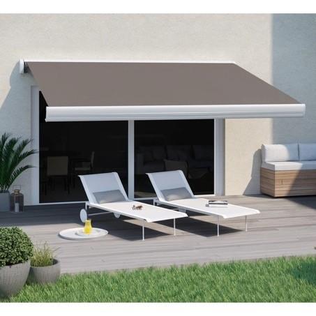 Un store banne peut-il être installé sur une terrasse ?
