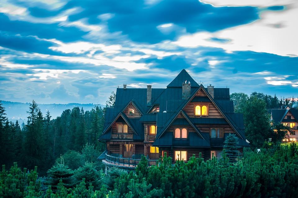 Tous les critères à voir pour bien choisir le professionnel pour la construction d'un chalet en bois en Haute Savoie