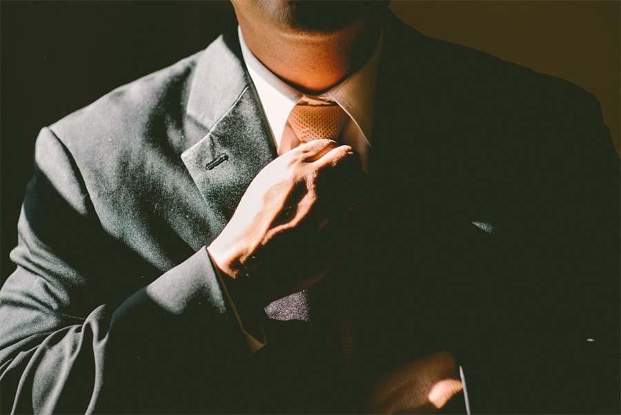 L'homme élégant et les tendances de la mode