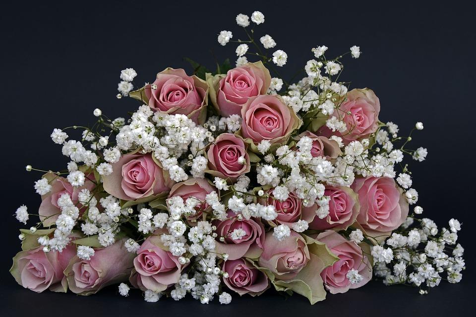 Cadeau Saint-Valentin : offrir un bouquet de fleurs